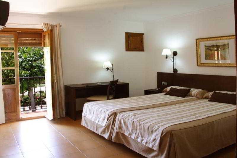 Hotel Del Carmen thumb-2