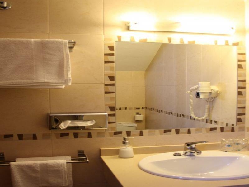Hotel Del Carmen thumb-3