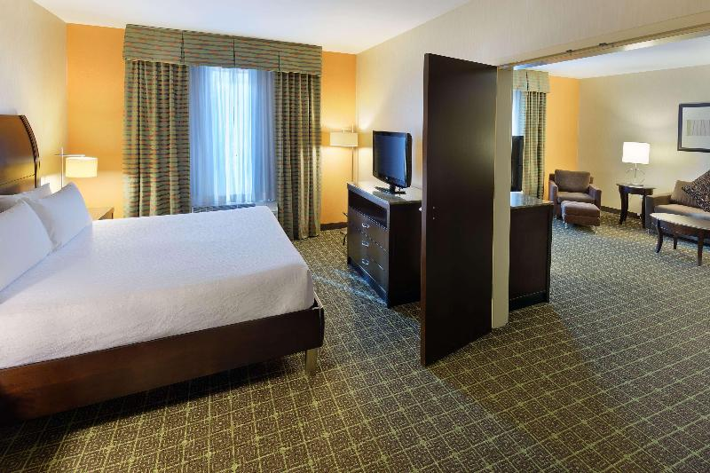 Room premium king bed