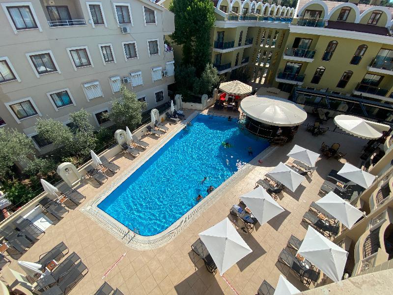Club karakas apart hotel marmaris from 22 for Corse appart hotel