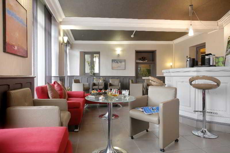 hotel qualys hotel de gramont pau centre pau desde 120 rumbo. Black Bedroom Furniture Sets. Home Design Ideas