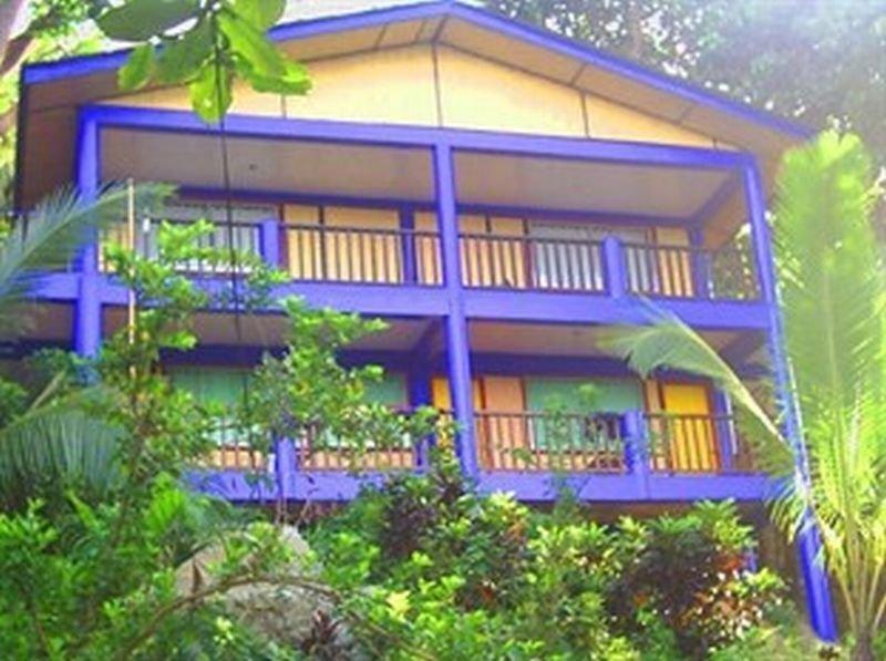 HotelDive Link Coron Adventure Island Resort