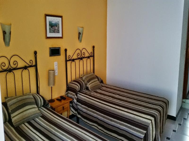 h tels almu car partir de 94 h tels pas chers. Black Bedroom Furniture Sets. Home Design Ideas