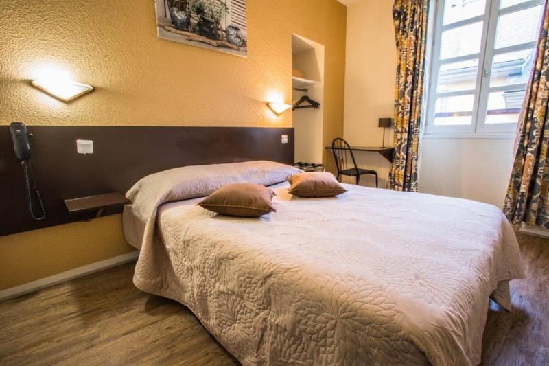h tels chambery partir de 42 h tels pas chers. Black Bedroom Furniture Sets. Home Design Ideas