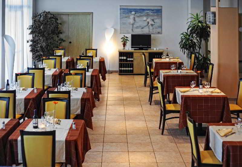 Idea Hotel Pisa Migliarino Hotel