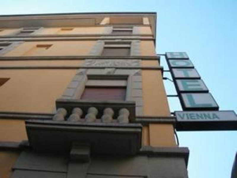 Hotel Vienna thumb-2