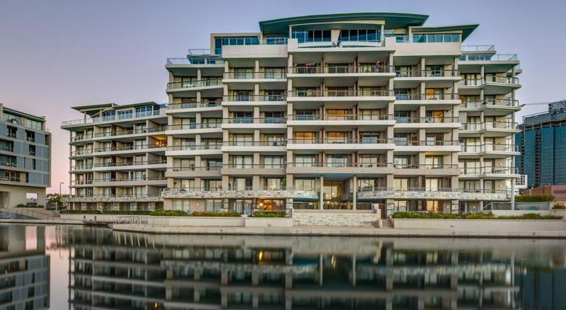 Кейптаун - Canal Quays Luxury Apartments
