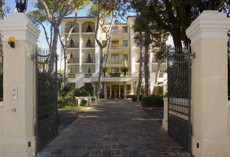 Grand Hotel Imperiale In Forte Dei Marmi Lucca Province Italy Forte Dei Marmi Lucca Province Hotel Booking