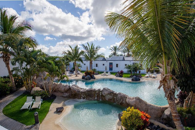 R2 Romantic Fantasía Suites Design Hotel & Spa