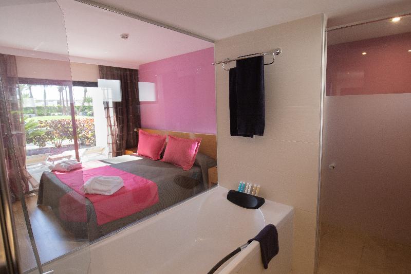 R2 Romantic Fantasía Suites Design Hotel & Spa 3