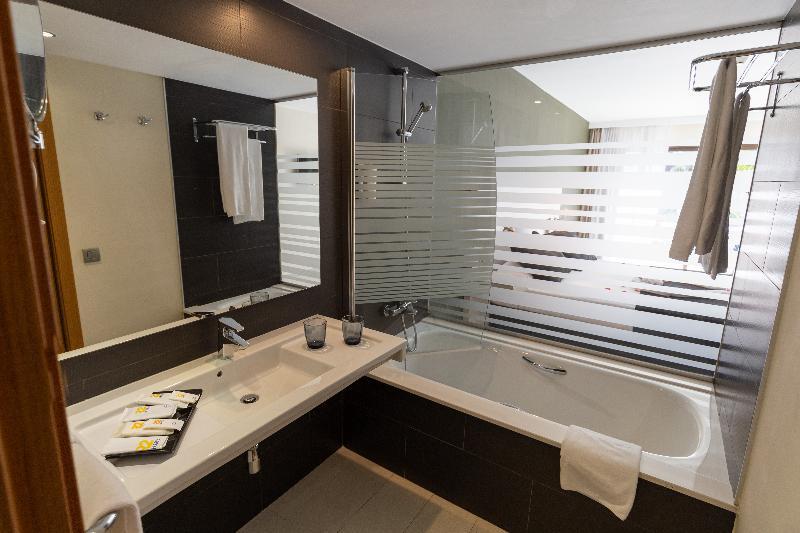 R2 Romantic Fantasía Suites Design Hotel & Spa 6