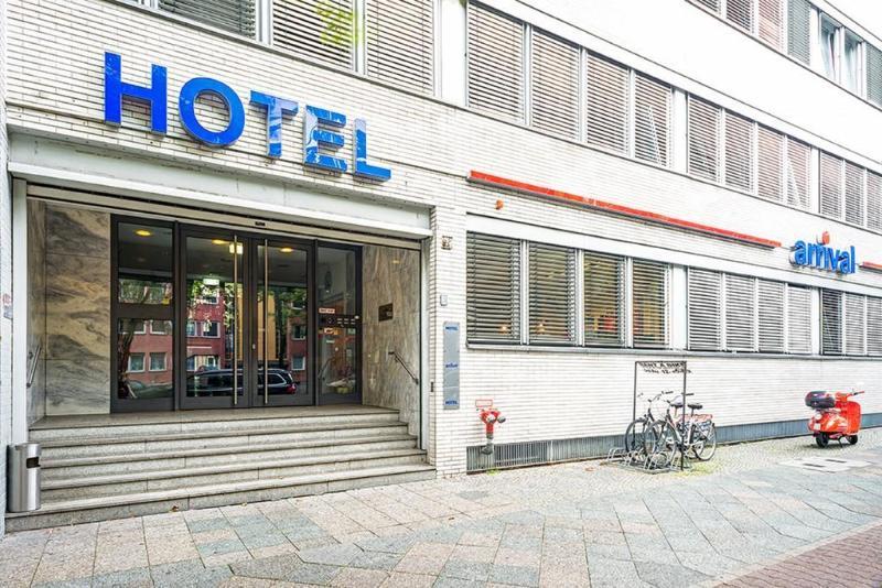 Hotel Arrival thumb-3