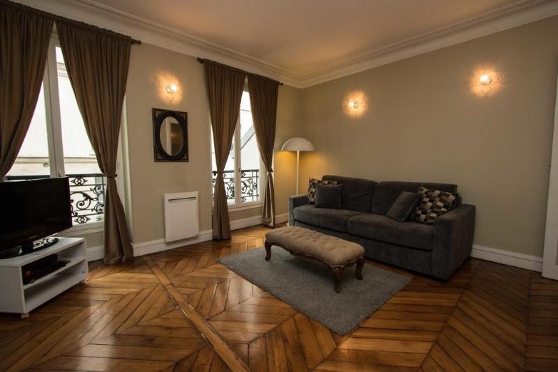 Montorgueil Apartment