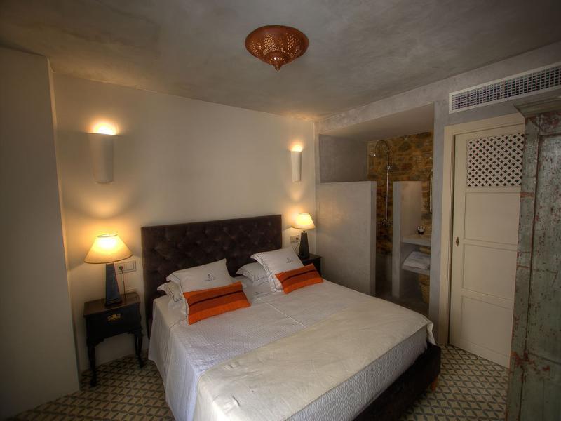 Hotel The Riad