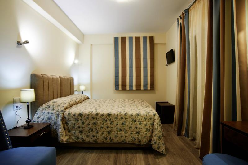 Гостиницу в остров Превеза