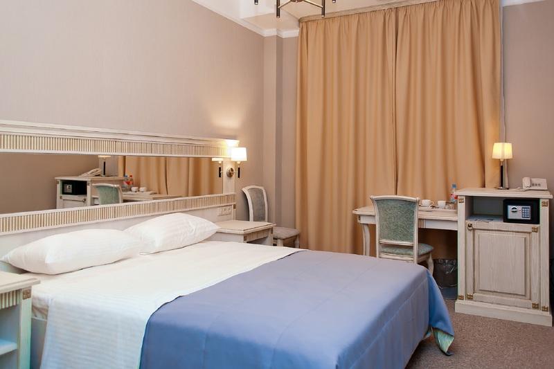 HotelTroy West