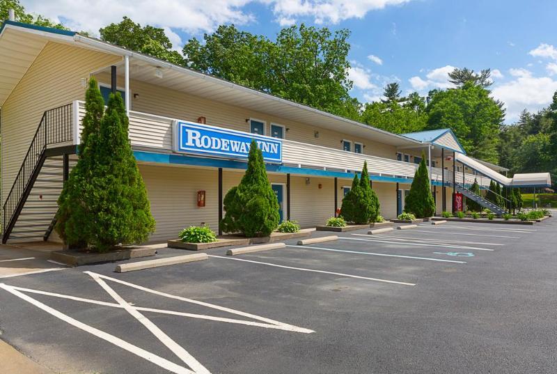 Rodeway Inn, Pike