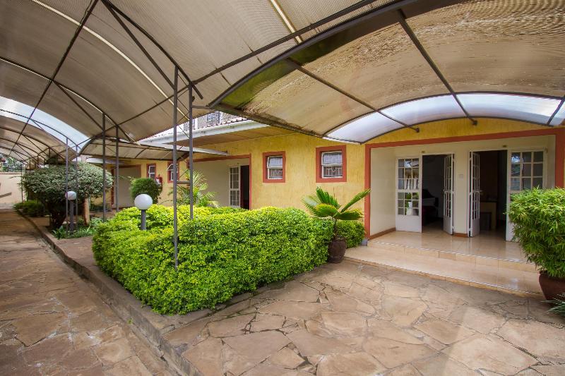 Найроби - Konar House Kilimani