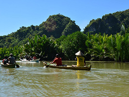 Makassar Excursions & Tours - Puteh River canoeing experience