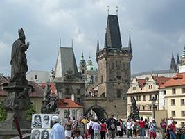Lo mejor de Praga - a pie en bus y en barco