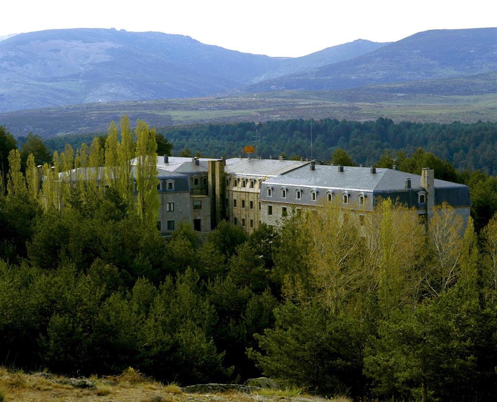 Reservar Habitaci 243 N En Hotel Parador De Gredos De