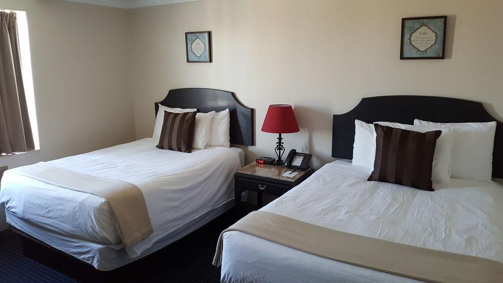 Montecassino Suites en DOWNSVIEW