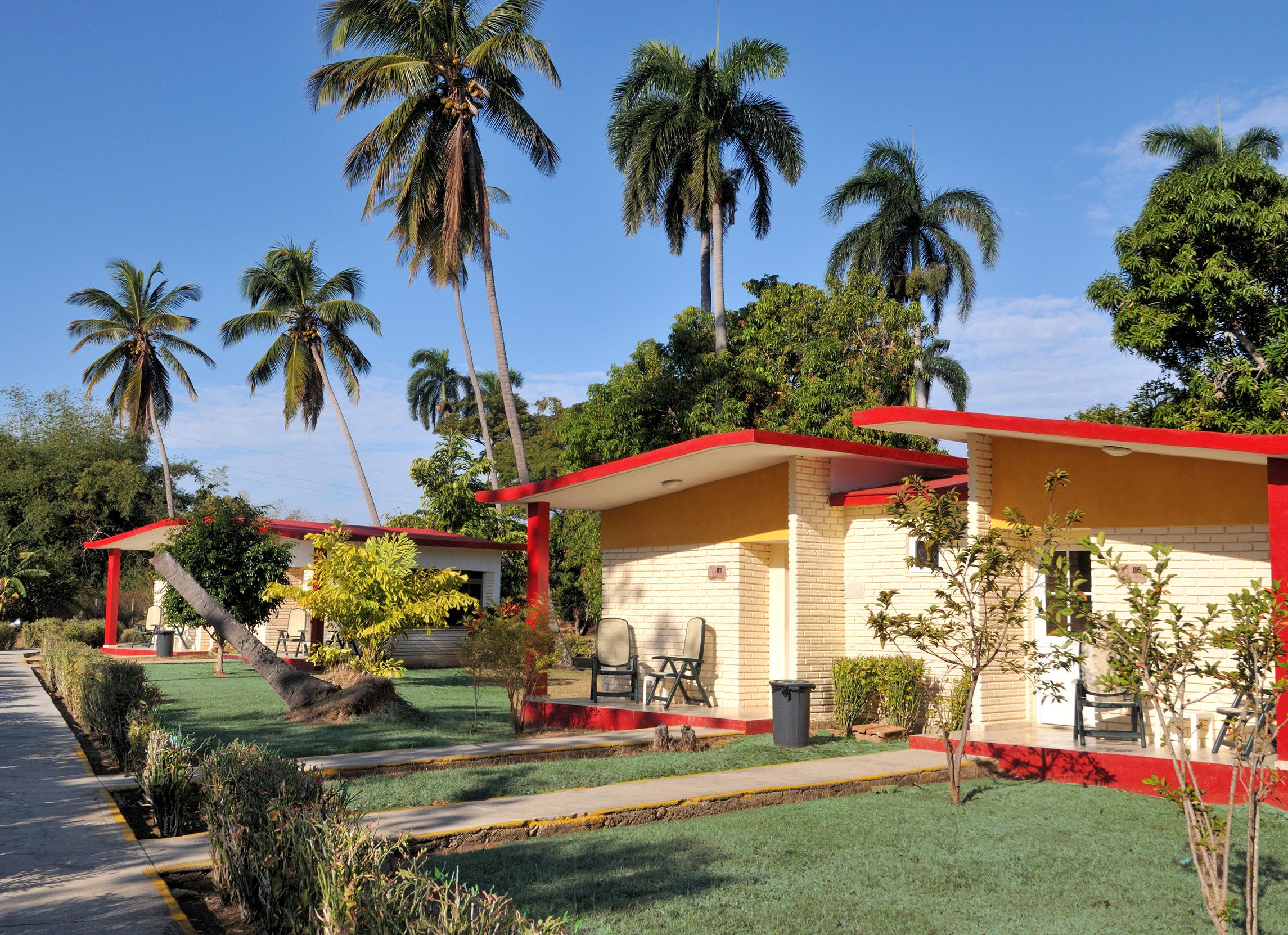 Ma Dolores, Trinidad