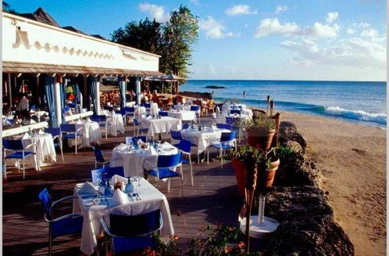 Almond Beach Resort en ST. PETER