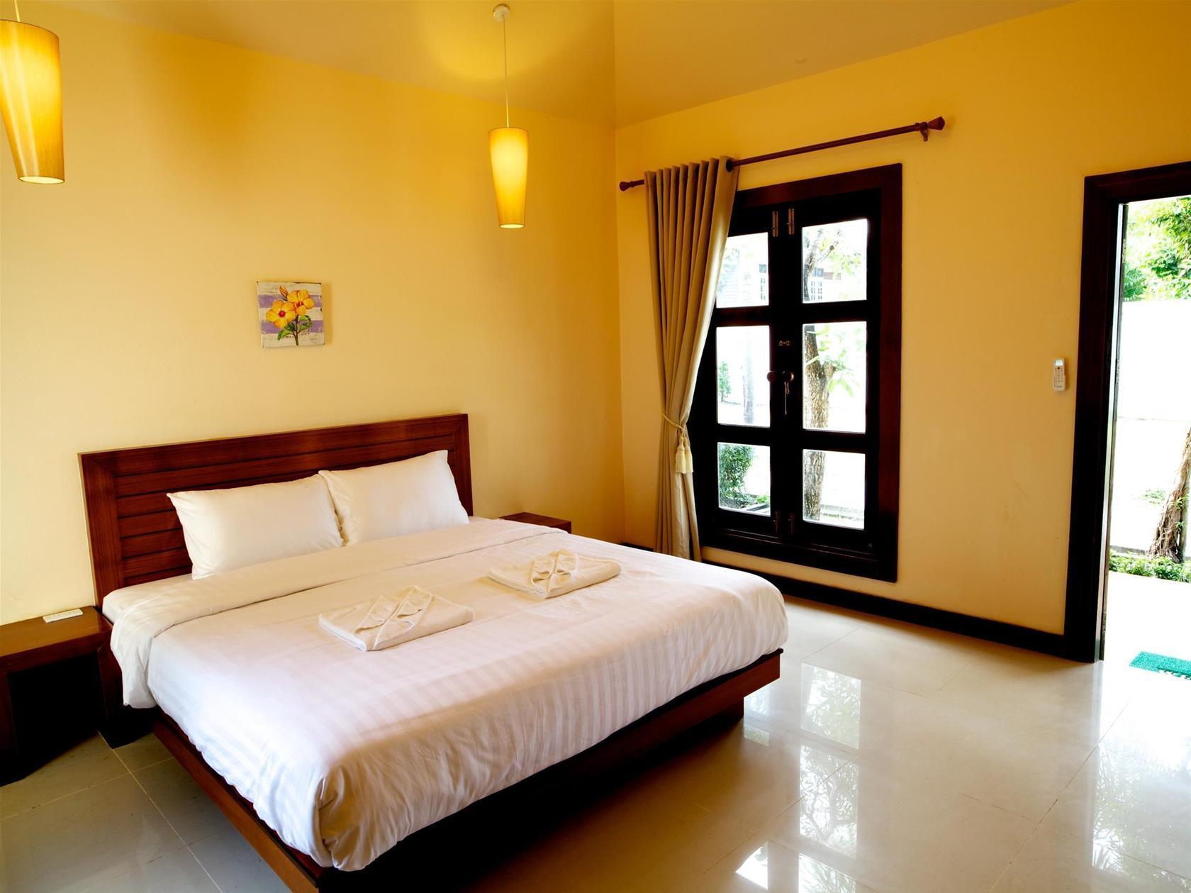 Coco Beach Resort, Nua Khlong