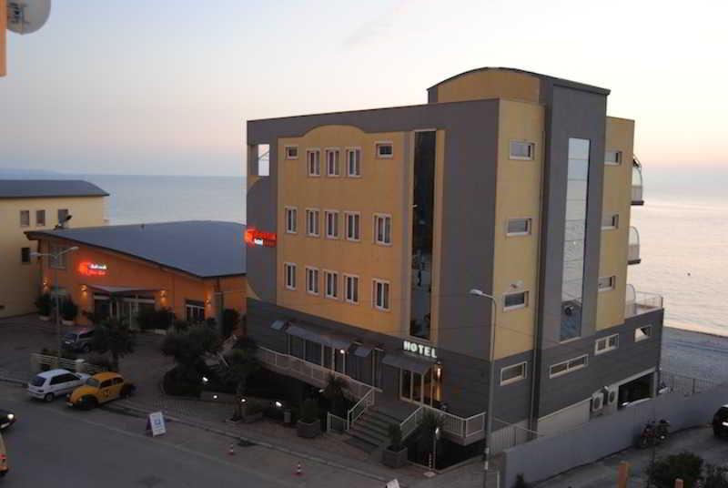 Aragosta, Durrësit