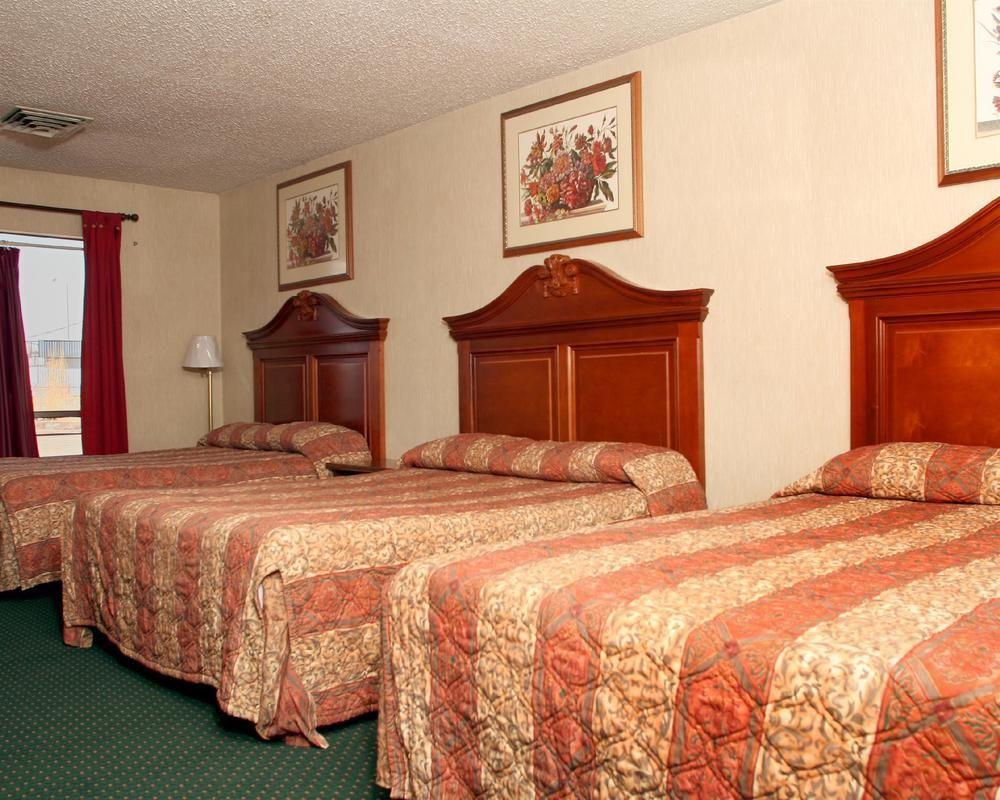Rodeway Inn, McKinley