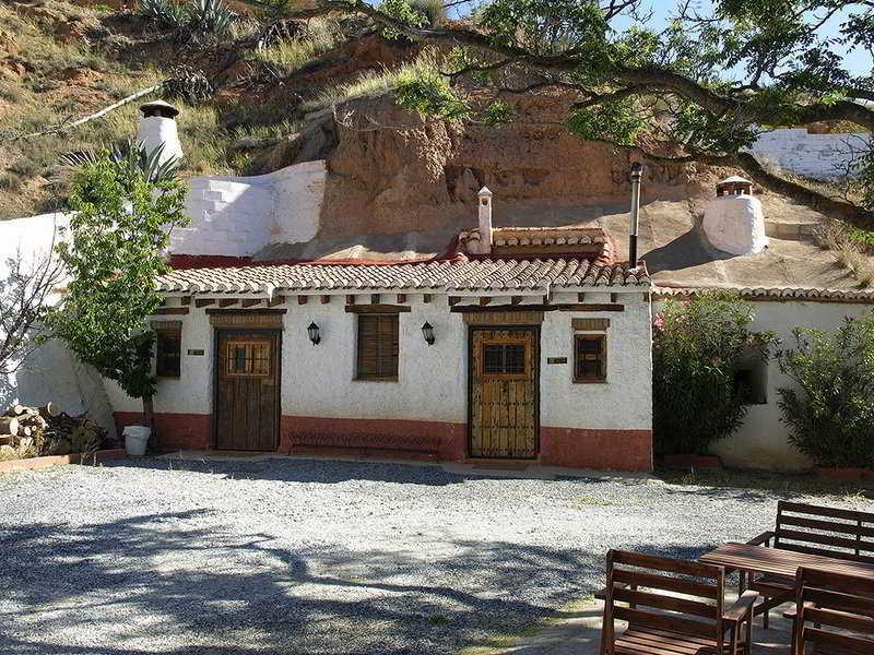 Cuevas La Tala, Granada