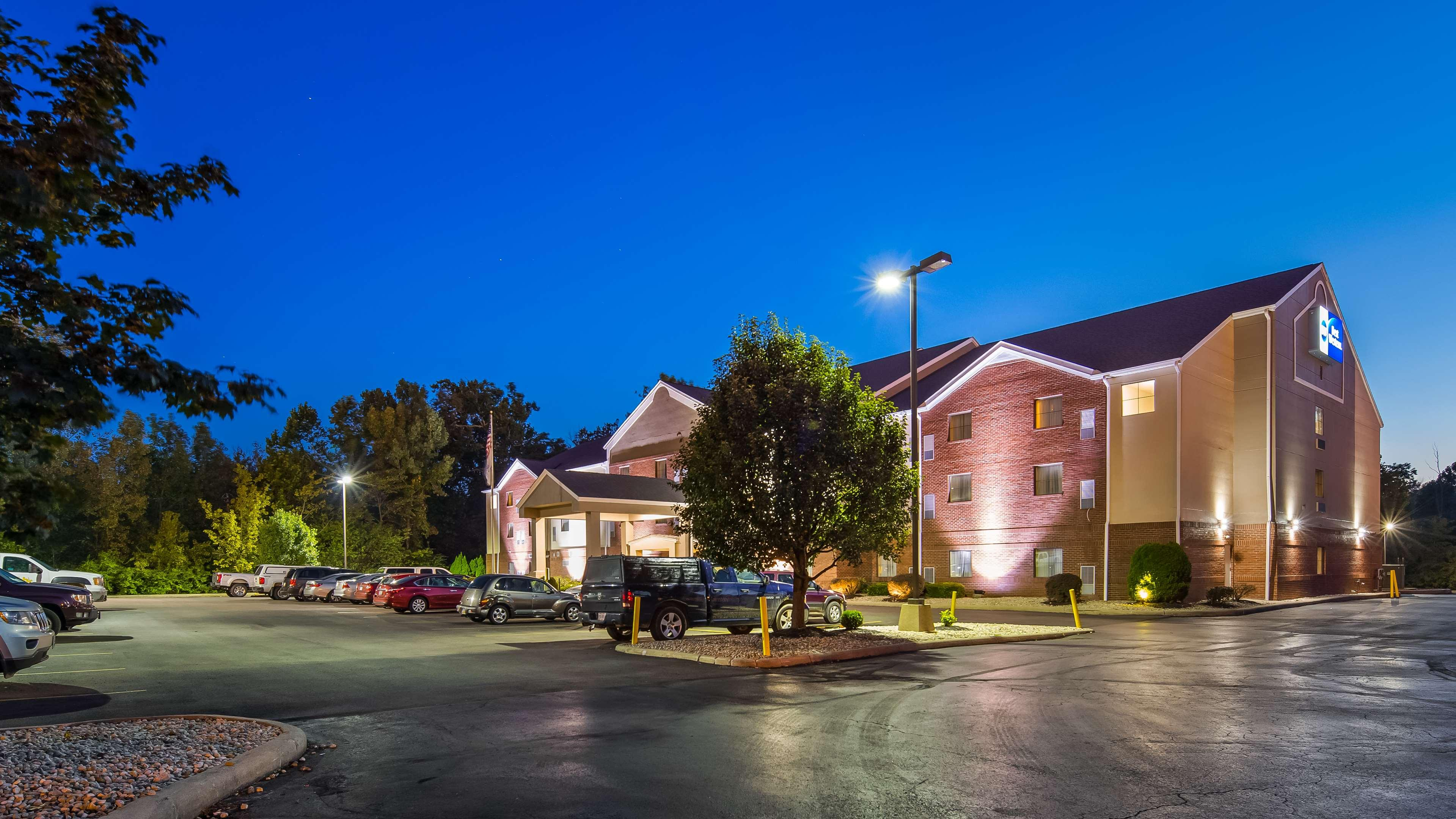 Best Western Plus Executive Suites - Columbus East, Fairfield