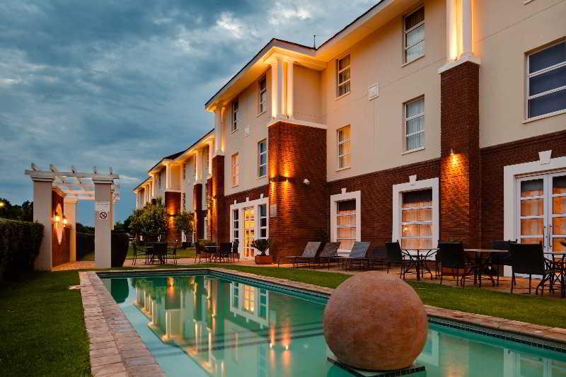 Protea Hotel Mahikeng, Ngaka Modiri Molema