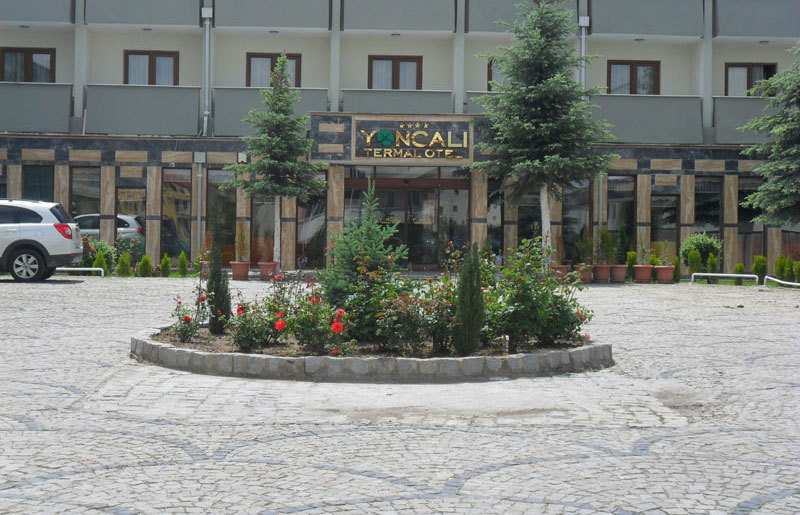 Yoncali Thermal Hotel, Merkez