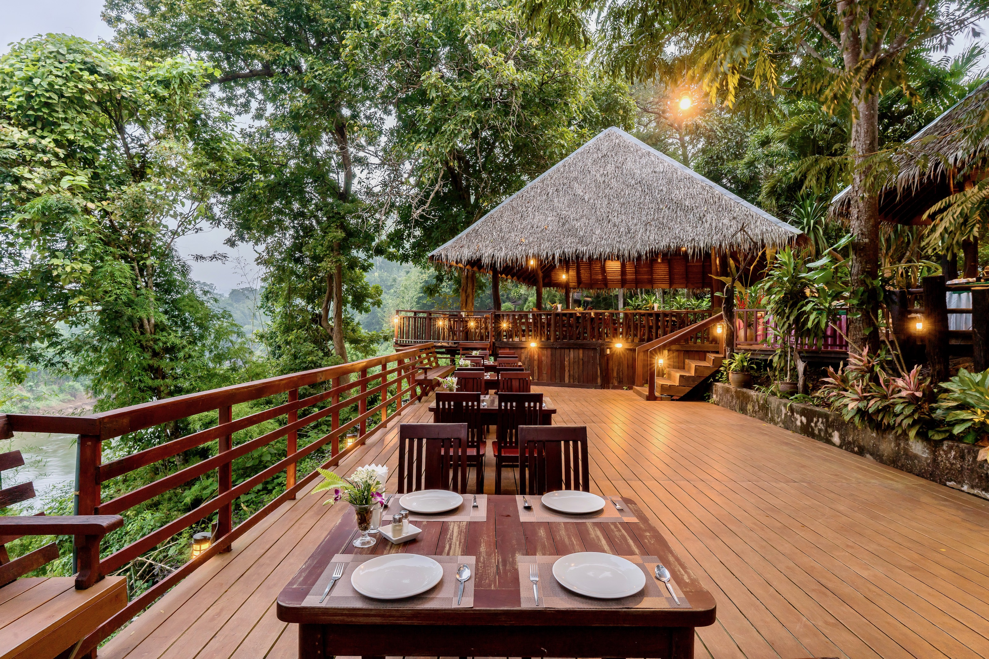 Home Phutoey River Kwai Resort, Sai Yok