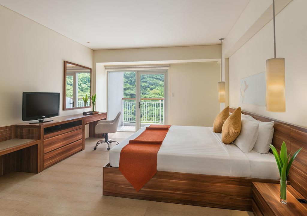 Pico Sands Hotel, Nasugbu