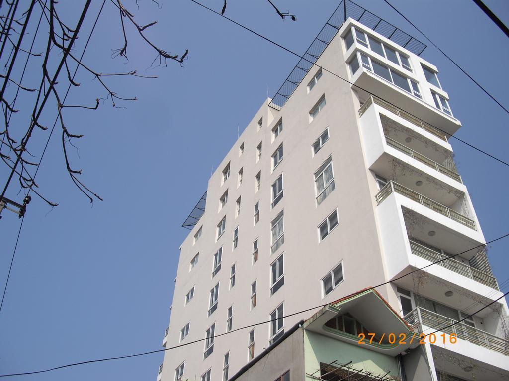 Queen Hotel, Ý Yên