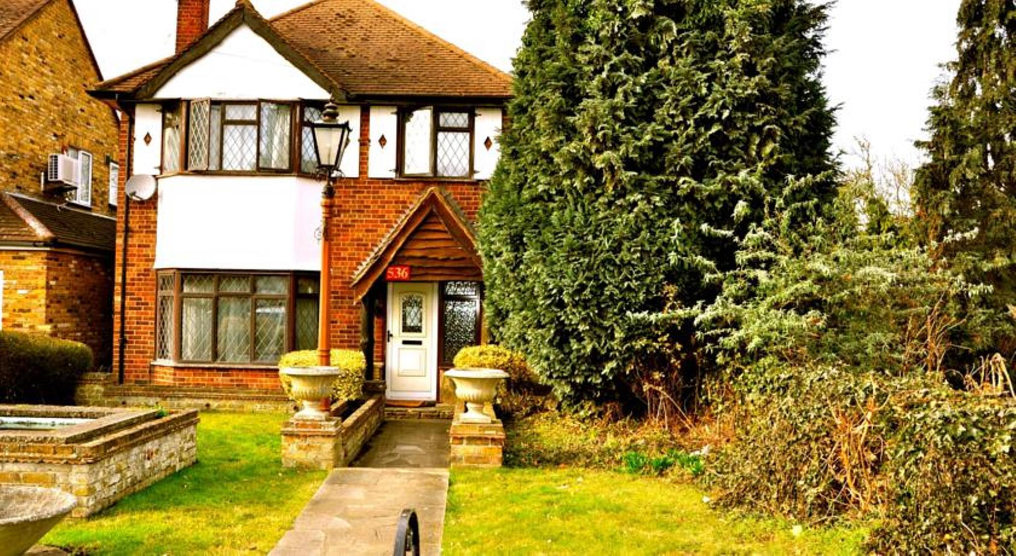 Heathrow Lodge, London
