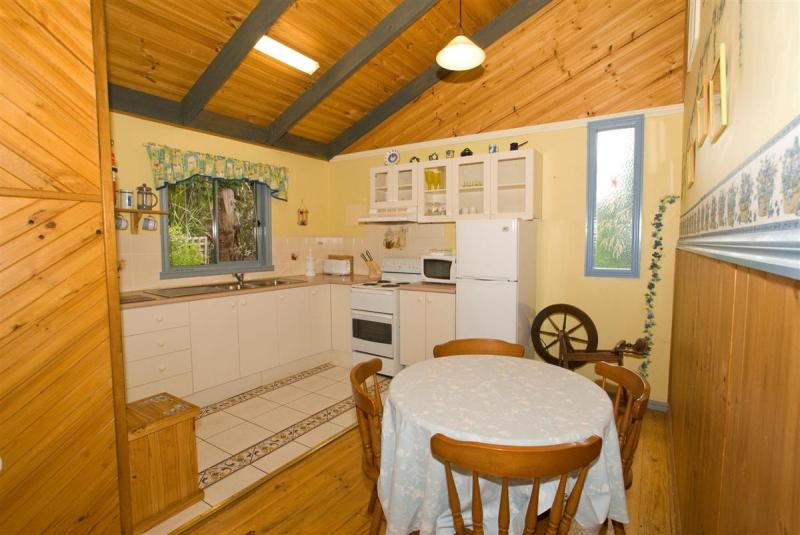 Hill 'N' Dale Farm Cottages, Yarra Ranges - North