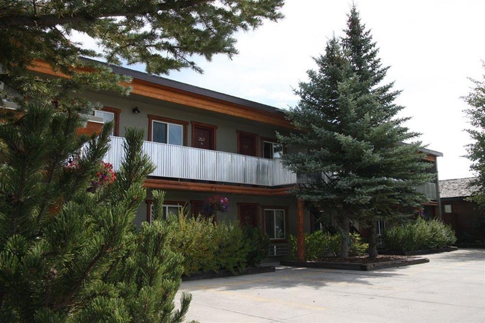 Moose Creek Inn, Gallatin
