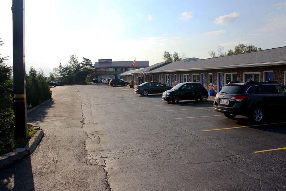 Moonlight Inn & Suites, Greater Sudbury