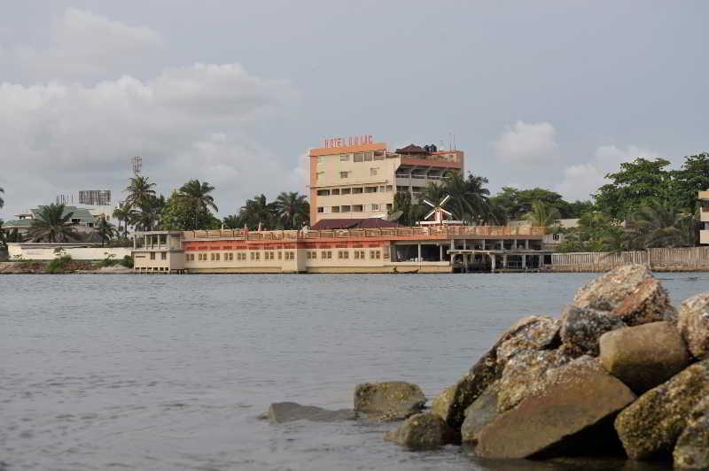 Du Lac, Cotonou