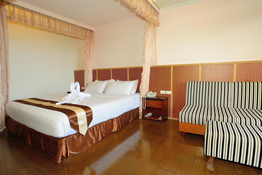 Airai Water Paradise Hotel  Spa en BABELDAOB ISLAND