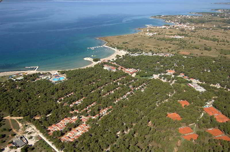 Zaton Holiday Resort Apartments 4*, Nin