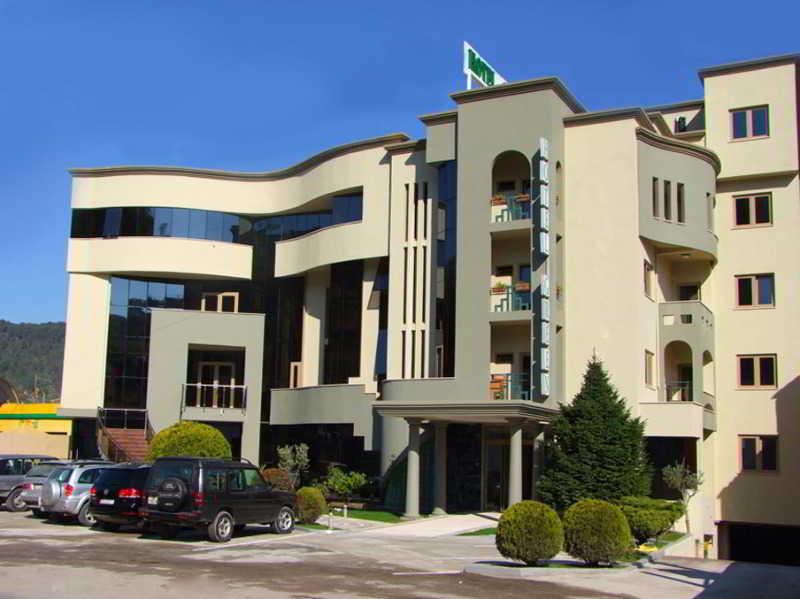 Green Hotel, Tiranës