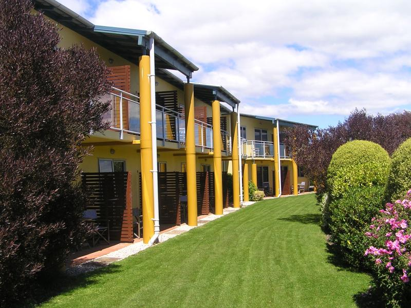 Greens Motel - A Putt Away from the Green, Nelson