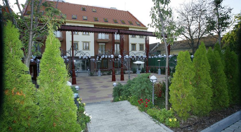 Hotel Obester, Debrecen