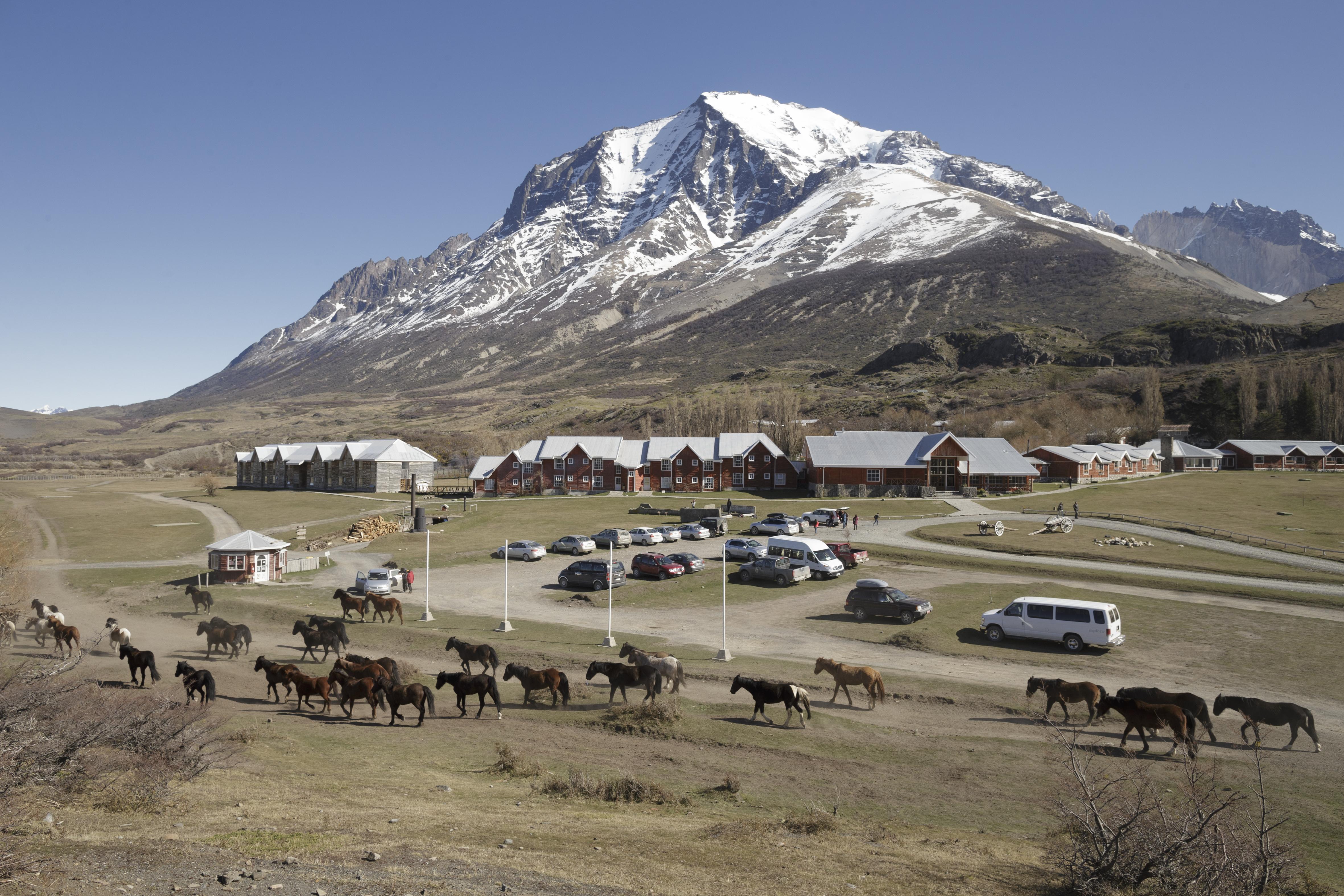 Las Torres Patagonia, Última Esperanza
