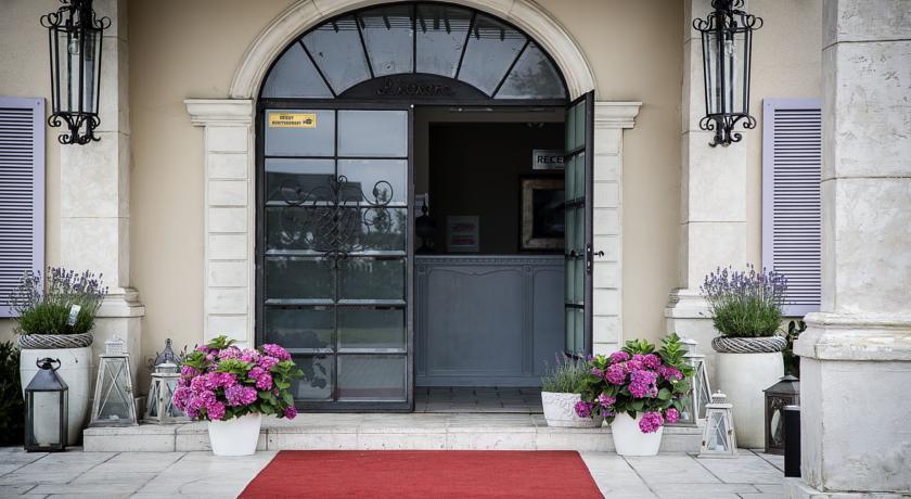 Hotel Riviera, Legionowo